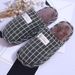 Pantoufles chaudes d'intérieur de rayure d'hiver de femmes chaussures souples anti-dérapantes à la maison RDcafé XKO446 xx9wKrgv