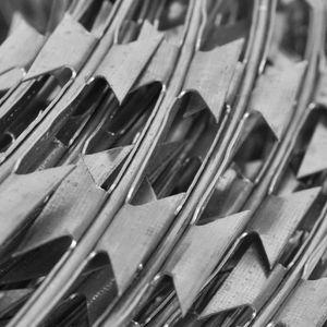 CLÔTURE - GRILLAGE Magnifique Fil barbele concertina 100 m