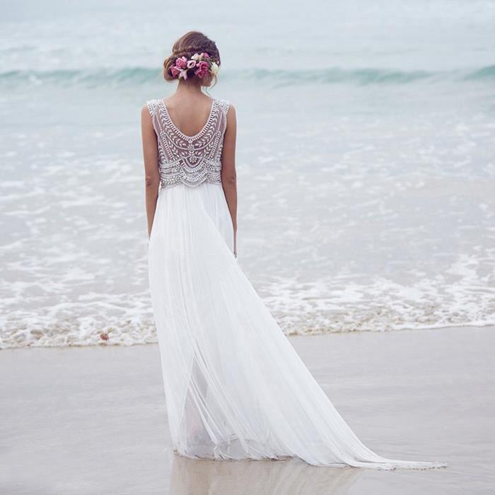 Robe blanche longue et large