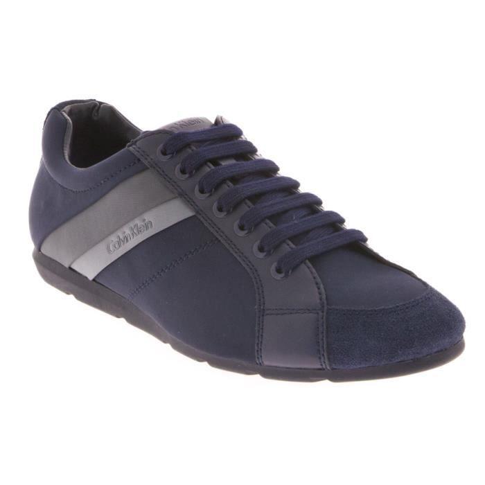 Chaussure sport de ville Calvin Klein Unique en nylon et daim bleu marine.