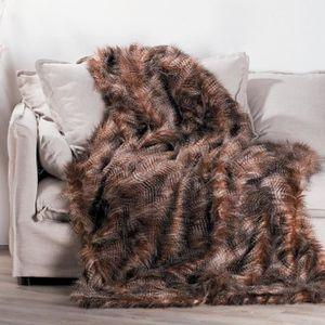 plaid couvre lit fourrure achat vente plaid couvre lit. Black Bedroom Furniture Sets. Home Design Ideas