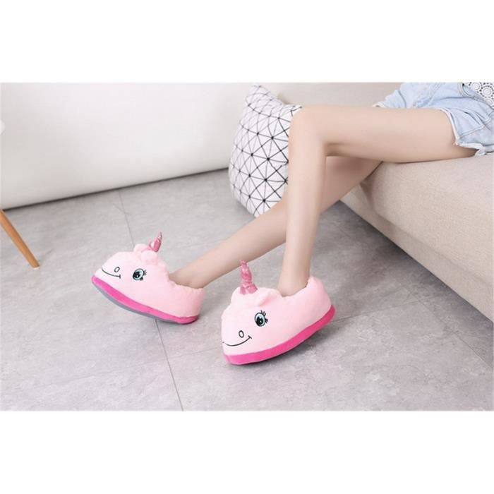 CUSSELEN Accueil Chaussons Pantoufles unicornes en peluche Pantoufles Unisex Mignon Cartoon Chaussons Couleur blanc bleu rose violet