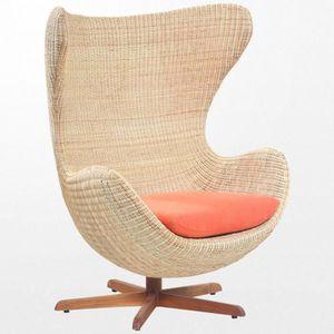 fauteuil egg arne jacobsen achat vente fauteuil egg arne jacobsen pas cher soldes d s le. Black Bedroom Furniture Sets. Home Design Ideas