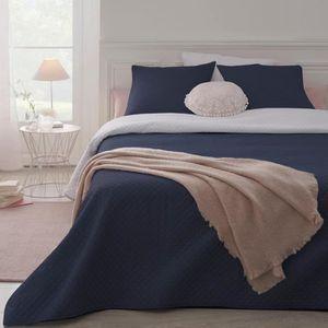 couvre lit bleu et blanc achat vente couvre lit bleu. Black Bedroom Furniture Sets. Home Design Ideas