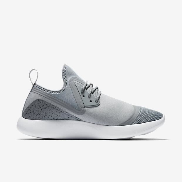 gris Baskets Nike Baskets Nike Modèle Essential 002 Lunarcharge 923619 PS8aaw