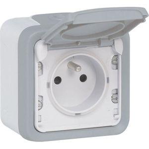LEGRAND Prise de courant + volet de protection IP55 16A