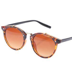 LUNETTES DE SOLEIL lunettes de soleil modèles masculins et féminins ... c9600a75052d