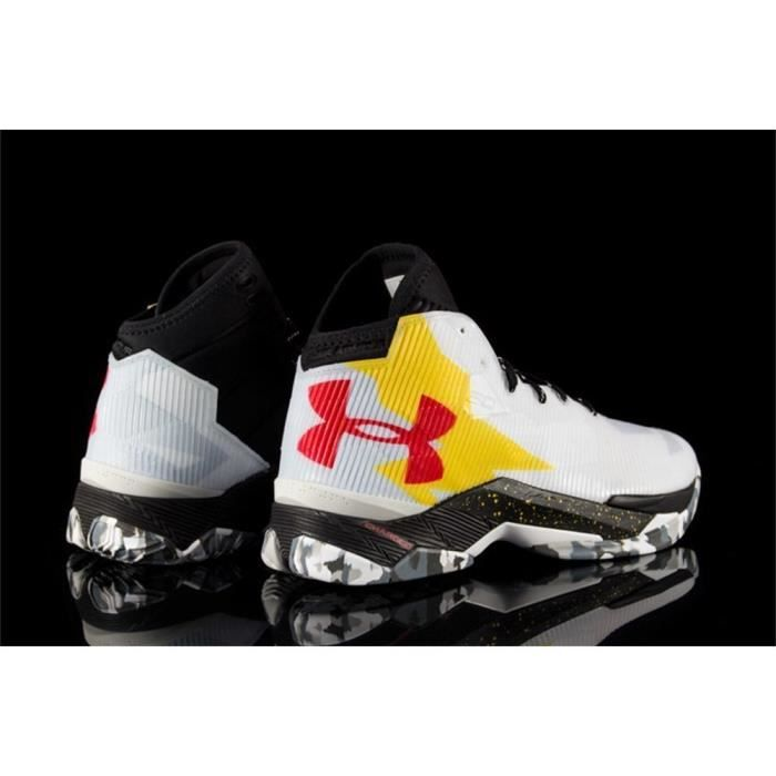 Chaussures Under Armour Curry 25