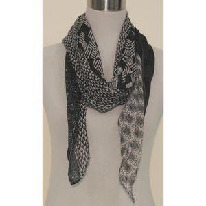 Foulard femme imprimé géométrique fantaisie Noir blanc et gris Blanc ... b7ebe272ec8