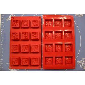 EMPORTE-PIÈCE  Moule Silicone 12 Empreintes / Petits Fours 28,5 X