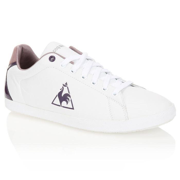 df3704f1785 LE COQ SPORTIF Baskets Auteuil Cuir Femme Blanc et détails violets ...