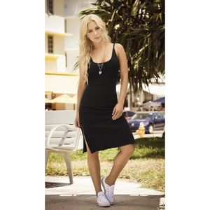 80e866bba6a ROBE Femmes 4996 Petite robe noire A1YDG Taille-M