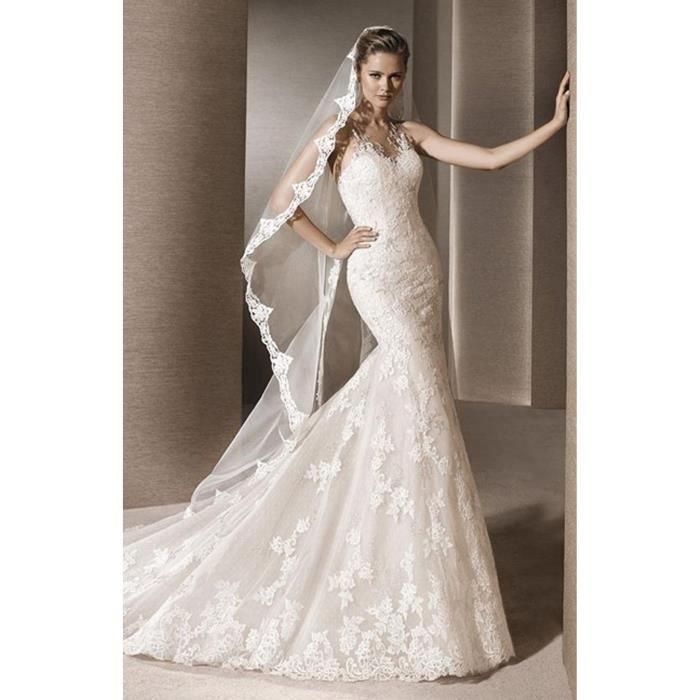 Robe de mariee avec manche et longue traine