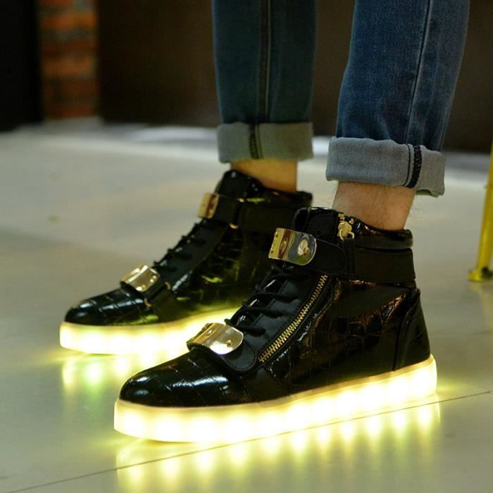 Taille 36 44 USB unisexe charge Chaussures Lumi re LED 7 couleurs mode casual Led Flats Chaussures Lumineuse Shoes Low top