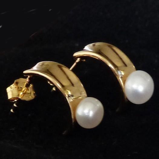 Boucle doreille plaqué or et perle deau douce