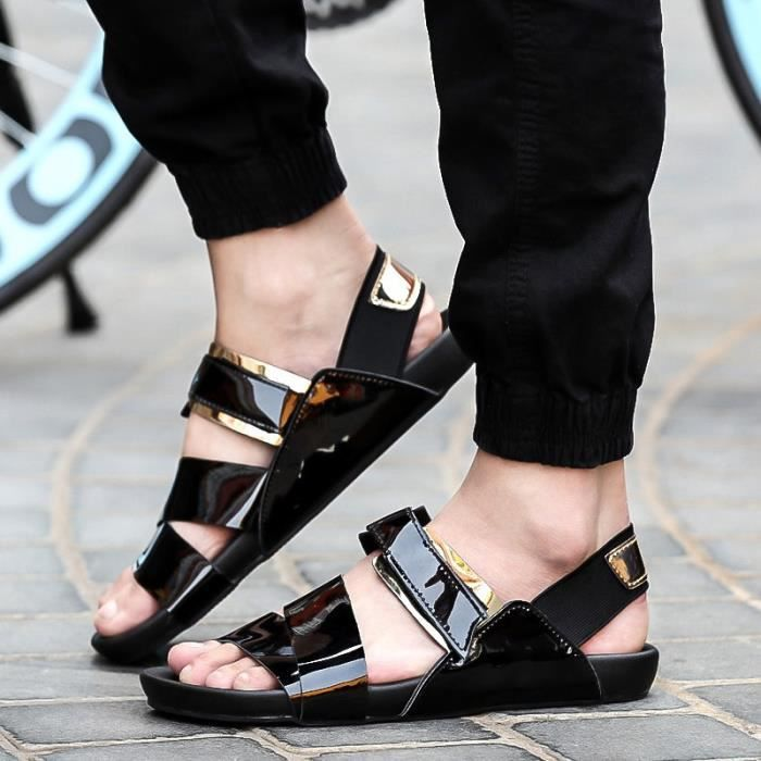 Peau claire cool Hommes Chaussons Slip-on Buckles respirante évider Chaussures de plage Loisirs Joker Chaussures Tide