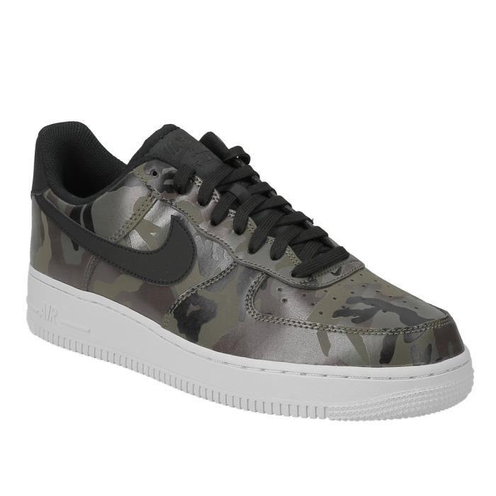 2a2230cd4aea1 Basket Nike Air Force 1  07 LV basse en cuir camouflage vert olive ...