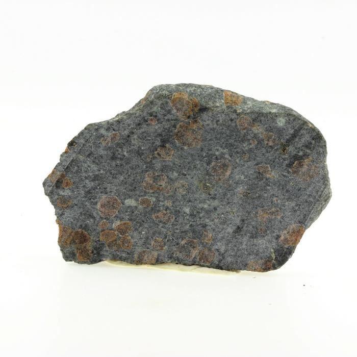 Pierre-Gneiss à grenat et Amphibole 375.4 ct. Massif du Mont Rose, Italie. Rare