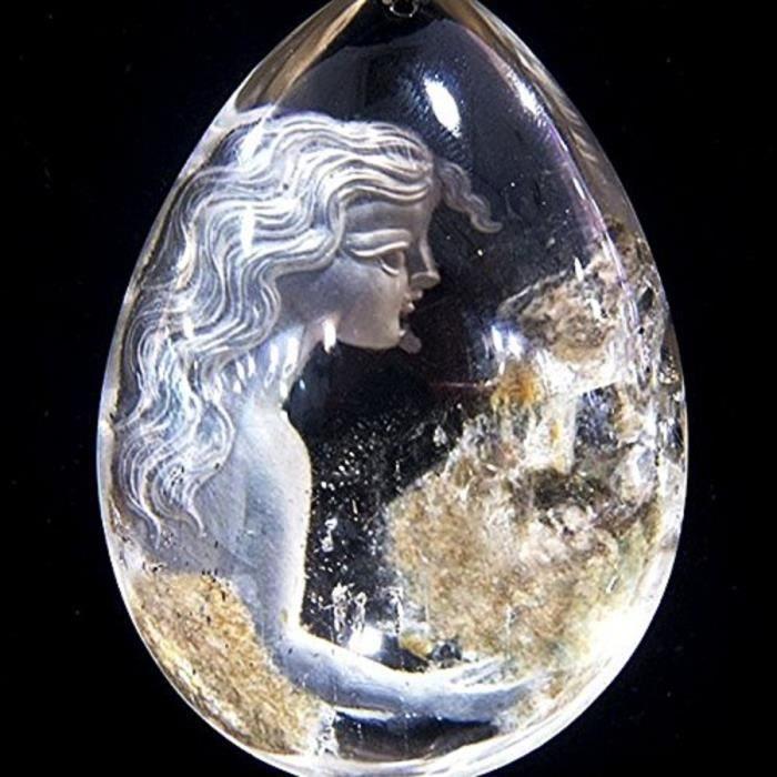 Pendentif intaille buste femme dans cristal de roche