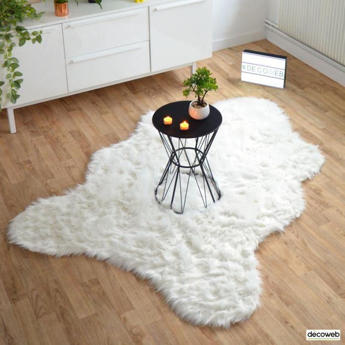 tapis peau de betes achat vente pas cher. Black Bedroom Furniture Sets. Home Design Ideas