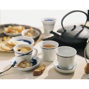 service petit dejeuner tasse et assiettes achat vente service petit dejeuner tasse et. Black Bedroom Furniture Sets. Home Design Ideas