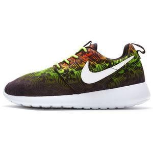 Nike Roshe Run Imprimer GS formateurs en imprimé floral