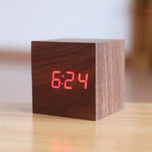 reveil cube bois achat vente reveil cube bois pas cher cdiscount. Black Bedroom Furniture Sets. Home Design Ideas
