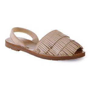 SANDALE - NU-PIEDS Sandales plates beiges à franges-36