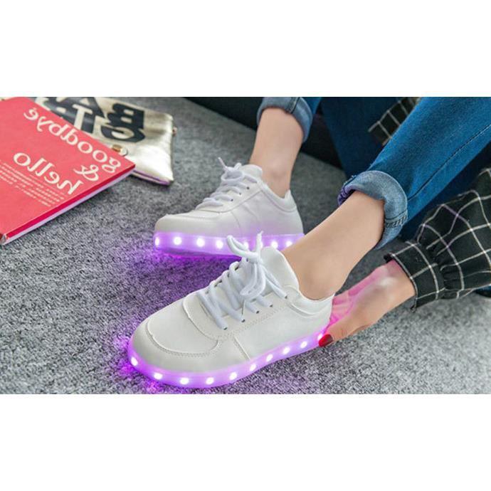 Les amateurs de chaussures de lumière LED Colorful USB rechargeable Blanc