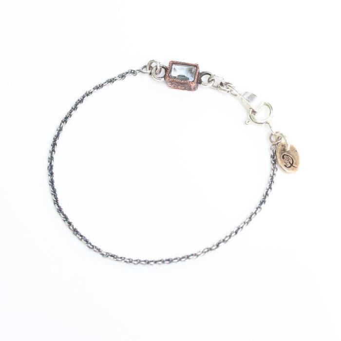 Octagon Facettes topaze bleue Bracelet femme en cuivre Réglage Bezel et argent sterling Oxydé Do AJ2TO