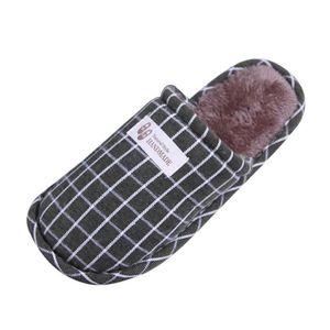 Pantoufles chaudes d'intérieur de la bande d'hiver de femmes rayant les chaussures molles antidérapantes Gris XKO442 VfjlLSk