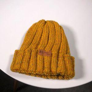 ff4a6cbf5364e Chapeau jaune - Achat / Vente Chapeau jaune pas cher - Soldes d'été ...
