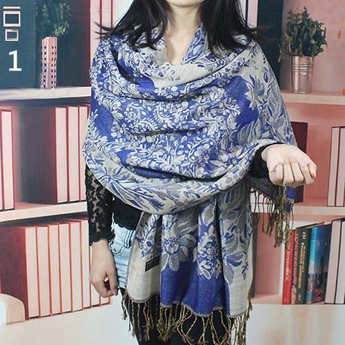 2b673e49f356 Motif de fleurs de style ethnique rétro pour femmes long châle chaud écharpe  Pashmina bleu foncé