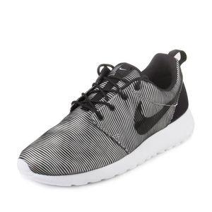 BASKET Nike Roshe Un Prem plus Chaussures de course pour