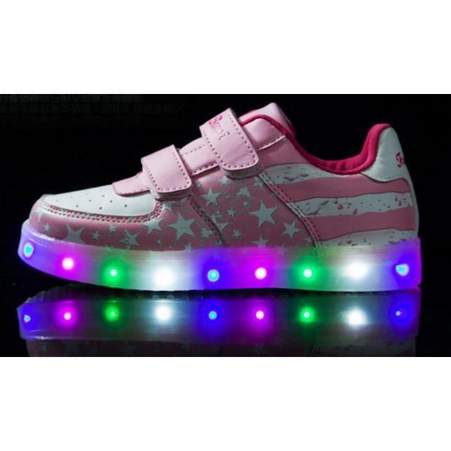 Star nationale du pavillon des enfants charge chaussures de lampe à LED