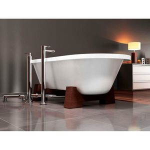 baignoire ilot beton de synthese baignoire lot sur pieds carrelages blancs bton cir blanc with. Black Bedroom Furniture Sets. Home Design Ideas
