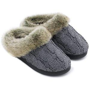 CHAUSSON - PANTOUFLE Pantoufles tricotées avec câble souple en mousse à