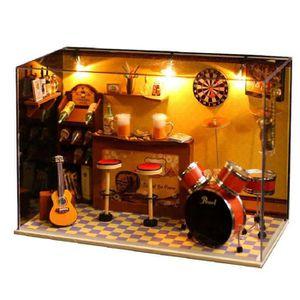 maison de poup es en bois achat vente maison de poup es en bois pas cher cdiscount. Black Bedroom Furniture Sets. Home Design Ideas