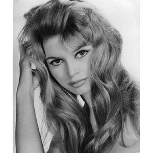 AFFICHE - POSTER Photo portrait noir et blanc Brigitte Bardot (Dime