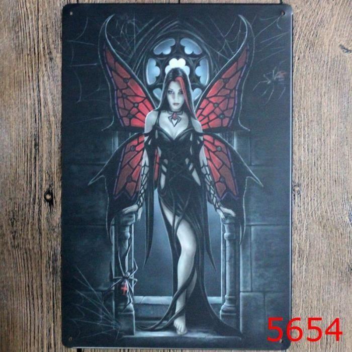Fille gothique signe détain métallique peinture