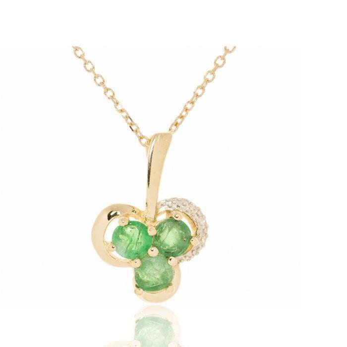 Collier En Or Avec Pendentif En Forme De Trèfle Orné De Diamants Et Démeraudes