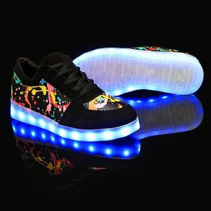 Sneaker Lumière LED 7 couleurs clignotantes Graffiti impression avec chargeur USB ifzjPF1Pm