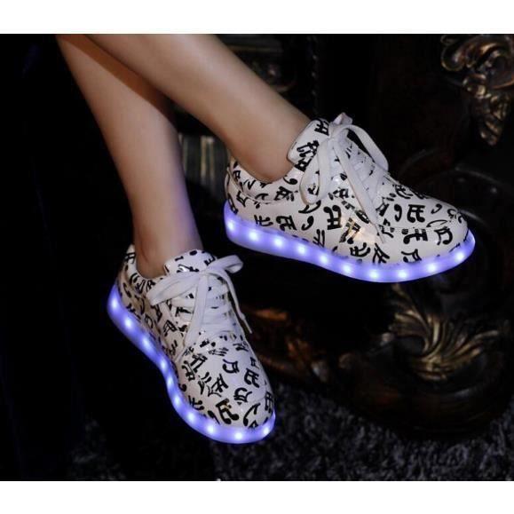 Femme le témoin de charge de 2015 simulation USB led chaussures légères conduit