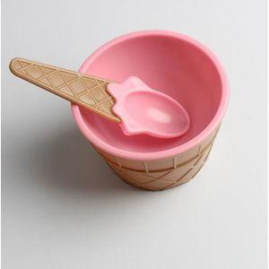 CUISINE EXTÉRIEURE  Enfants glace bols glace crème glacée tasse couple