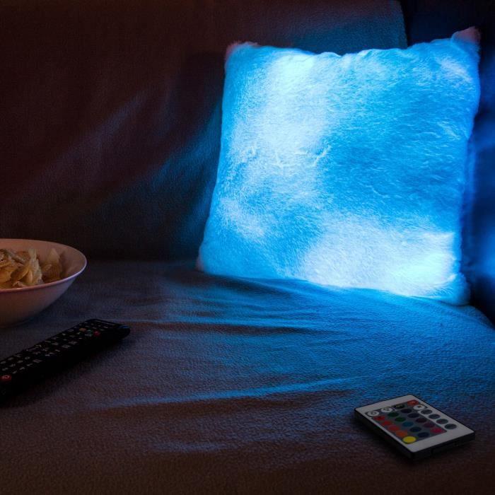 Le coussin est illuminé par une lumière interne qui peut varier avec différentes couleursCOUSSIN