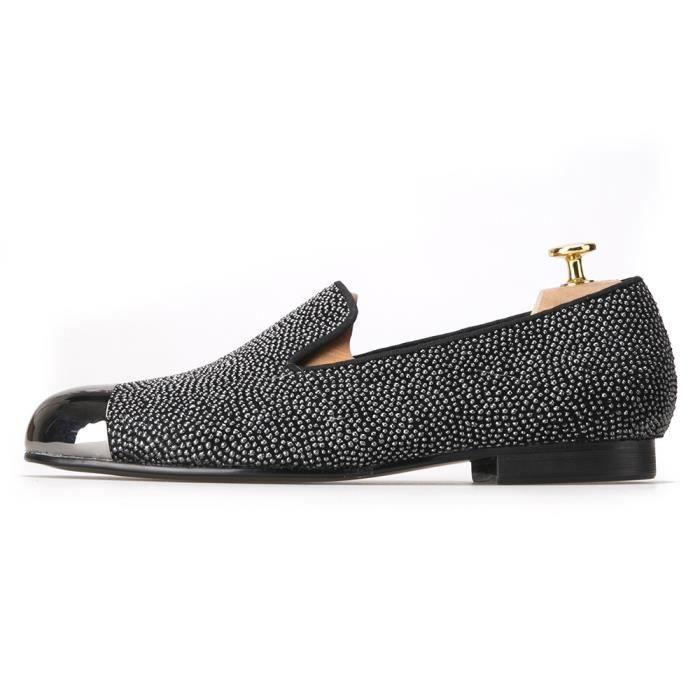 2017 New Style Dot Motif Chaussures Hommes en cuir avec luxe Toe Gun Metal Handcrafted Smoking oisifs Flats