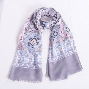 ECHARPE - FOULARD Châle foulard à imprimé ethnique pour femmes grise ba8925a82d0