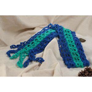 Écharpe ajourée tricot au crochet en mohair faite main bicolore pour ... e2d992cd9e5