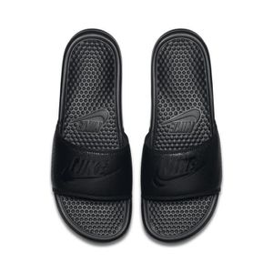 release date: 3a0c8 3c932 ... TONG Sandales Nike Benassi Just Do It Noir. ‹›