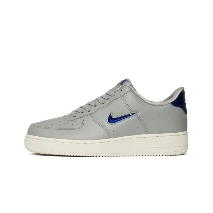 énorme réduction 4de04 6b243 Chaussures Nike Air Force 1 07 LV8 Lthr